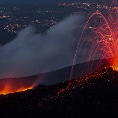 Etna. La Sicilia ha il fuoco dentro.
