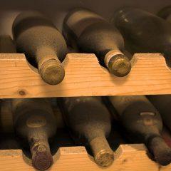 Giovane o vecchio. Anche il vino nasce, cresce e muore.