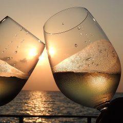 D'estate solo vino bianco. O quasi.